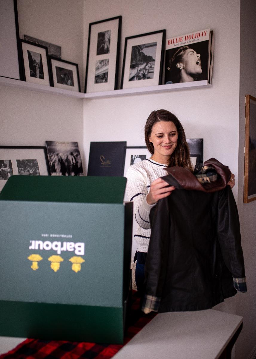 Jess Keys unboxing her Rewaxed Barbour Jacket.